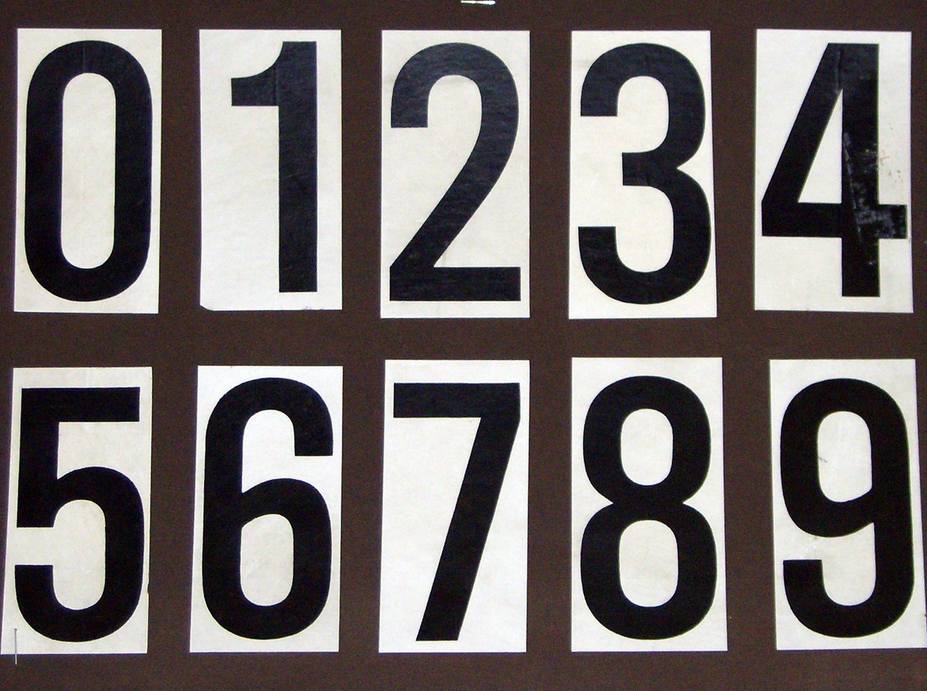 para carteles numeros adheribles que sirven para formar el numero de